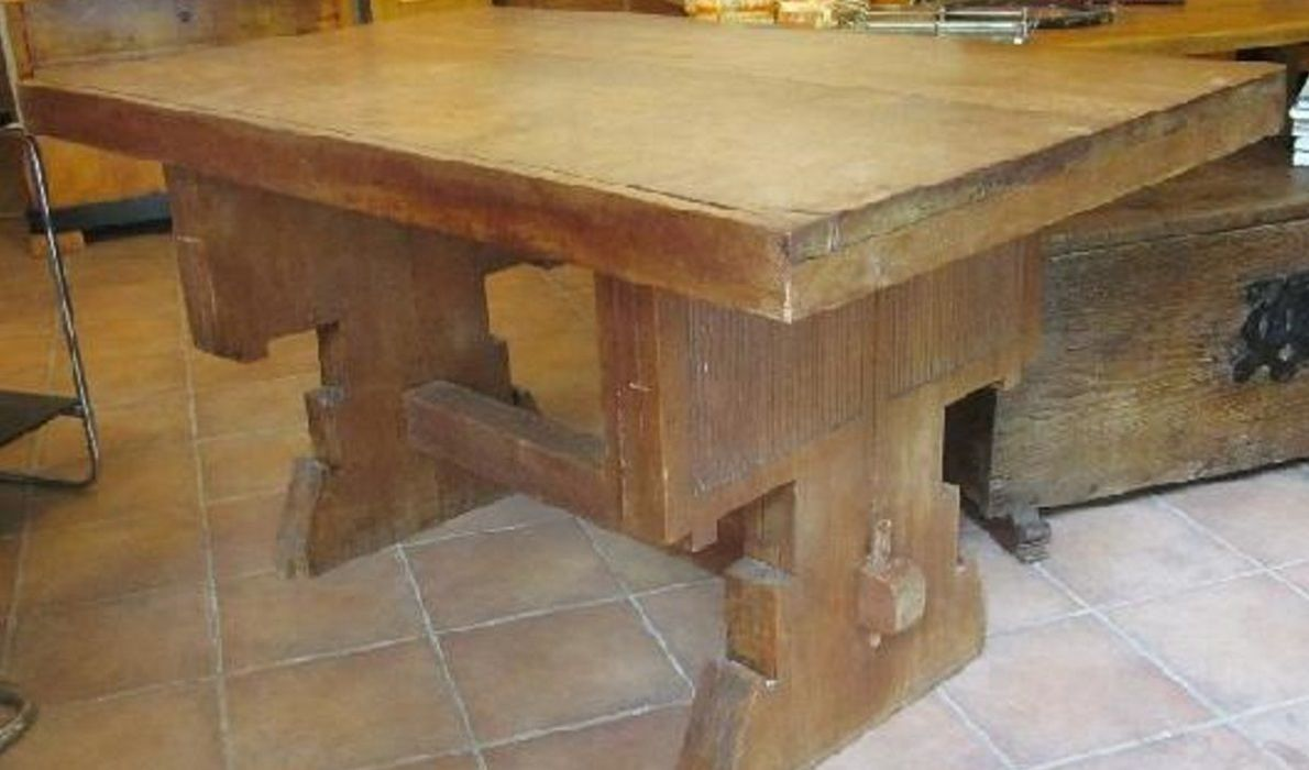Neogotik Tisch und 4 Stühle