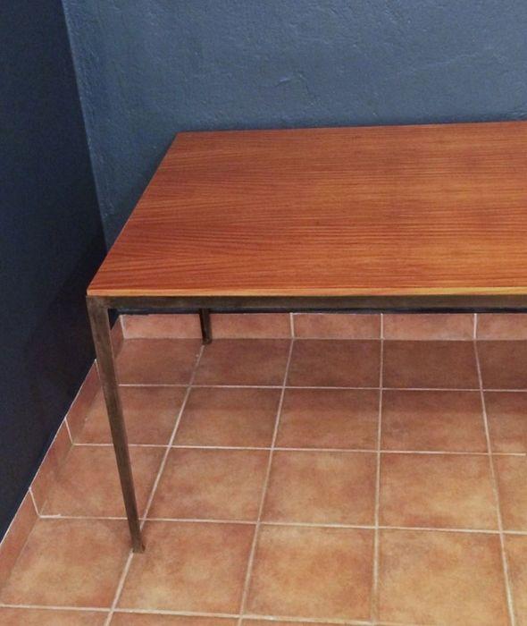 Werkstatt gebaut Tisch Bauhaus