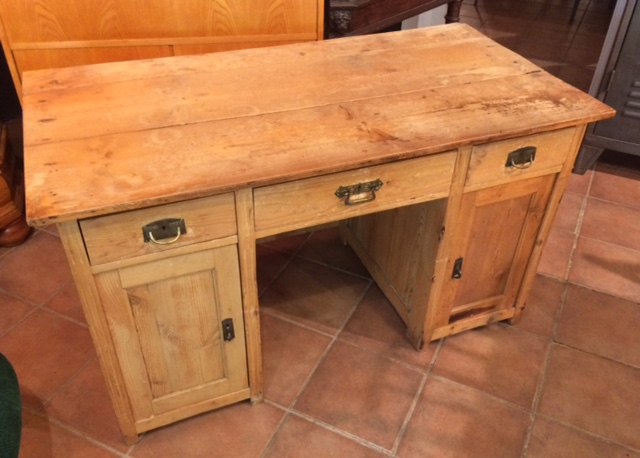 Tisch Schreibtisch