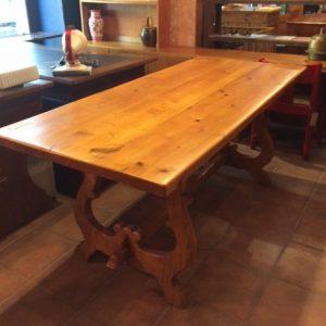 Tisch lang