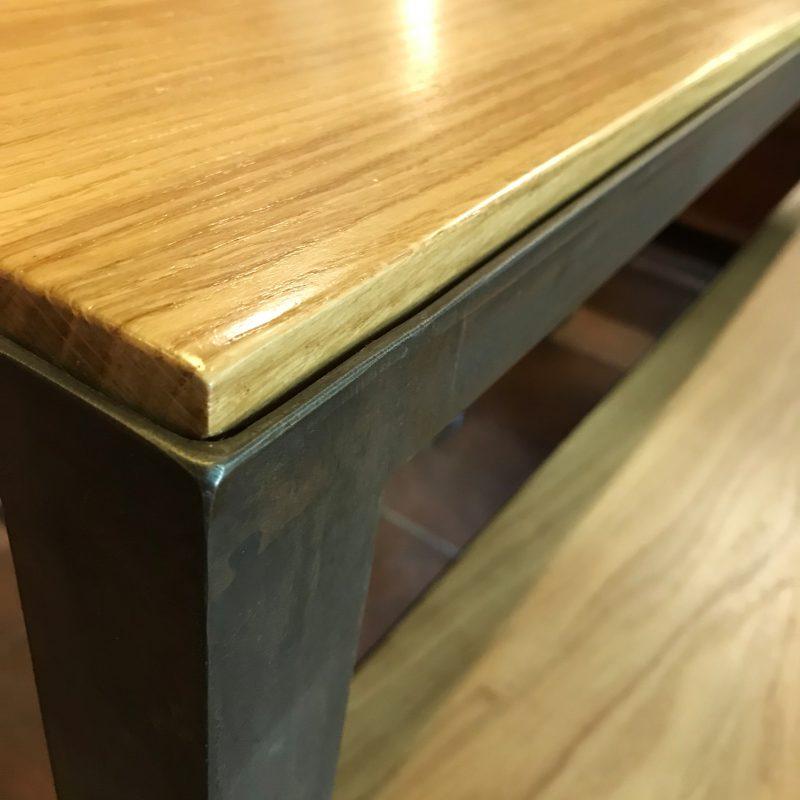 Detail Tisch Maßanfertigung Eichenholz