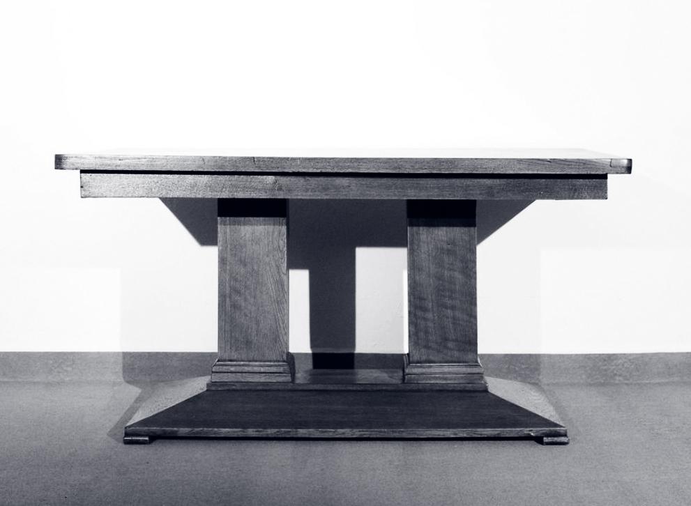 Historische Tische im MoebelladenBerlin