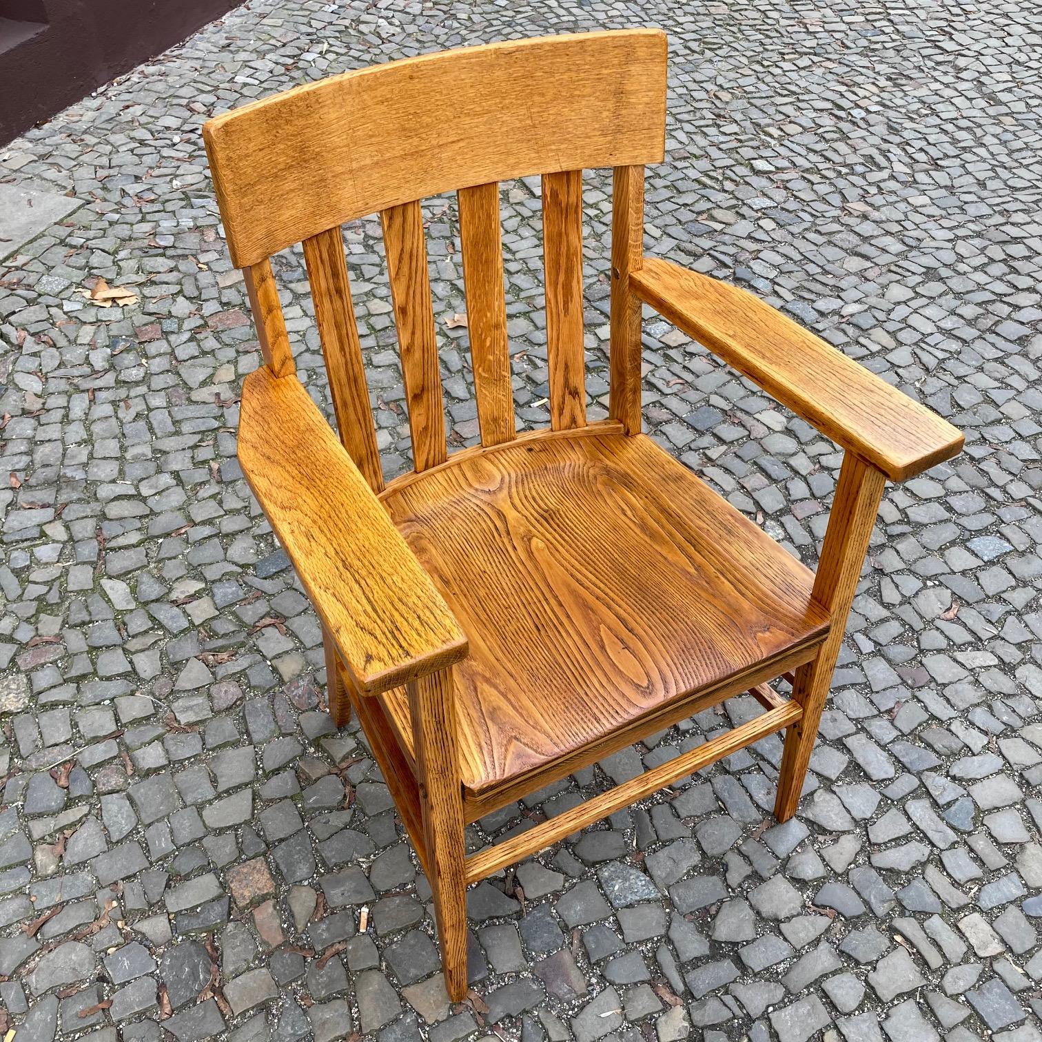 restaurierter Armlehnstuhl